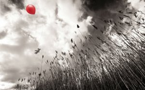 red_balloon_in_the_sky-wide